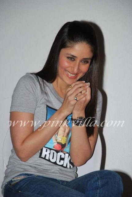 Kareena Kapoor at a 3 Idiots Press Meet