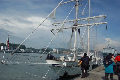 Gbr Kapal layar Tunas Samudera