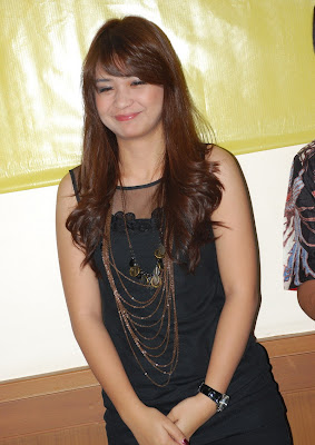 Putri Titian on Indo Hot 2011 Actress Pretty Titan Titian