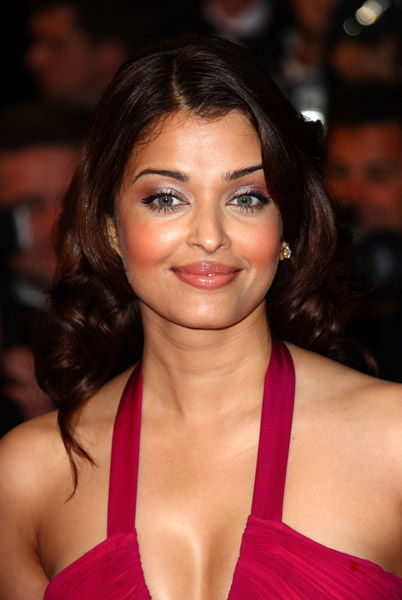 aishwarya wallpapers. Hot Wallpapers Aishwarya