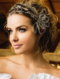 penteados+de+noiva+ +flor+9 Penteados Madrinhas e Noivas   Cabelos Cacheados ou Enrolados