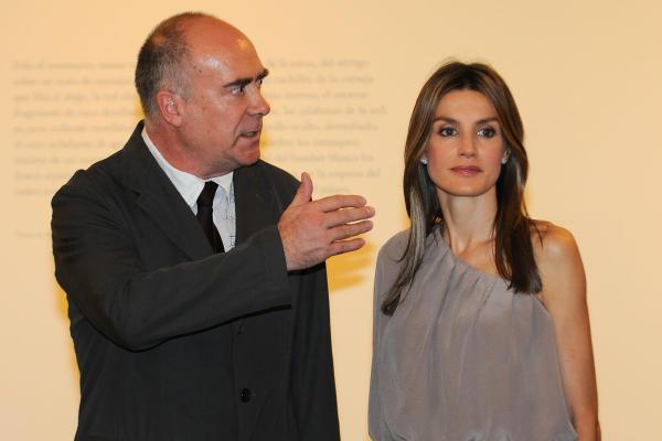 Royals fashion visite aux canaries for Adolfo dominguez tenerife