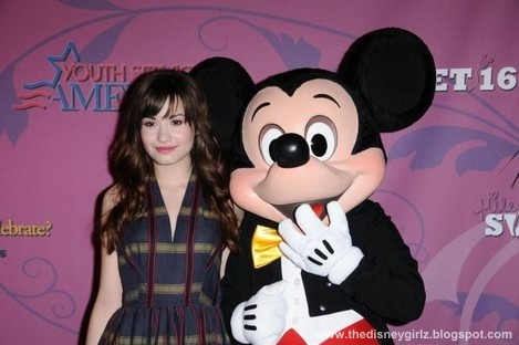 Disney Agency Demi+Lovato+and+Mickey+Mouse-BBC-000571