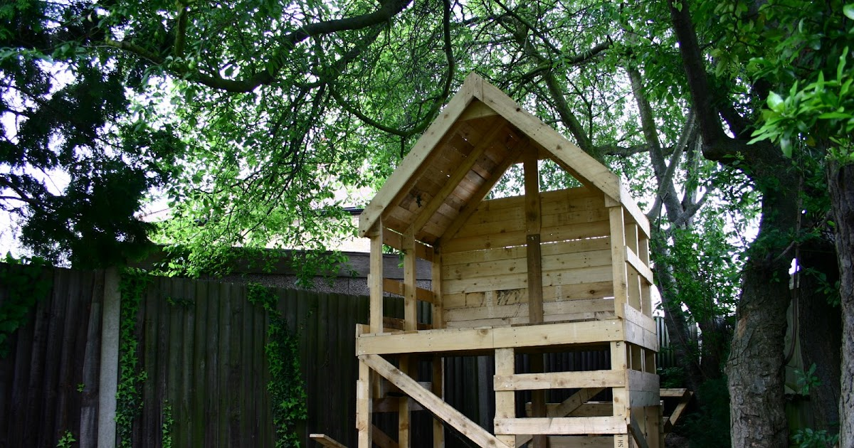 The pallet project tree hut for Au jardin guest house welkom