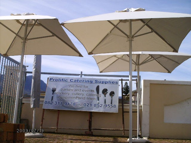 Prolificcapetownevents parasol umbrella rentals cape town for Cocktail tables to hire in cape town
