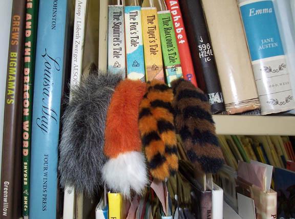 [Tails+Shelf]
