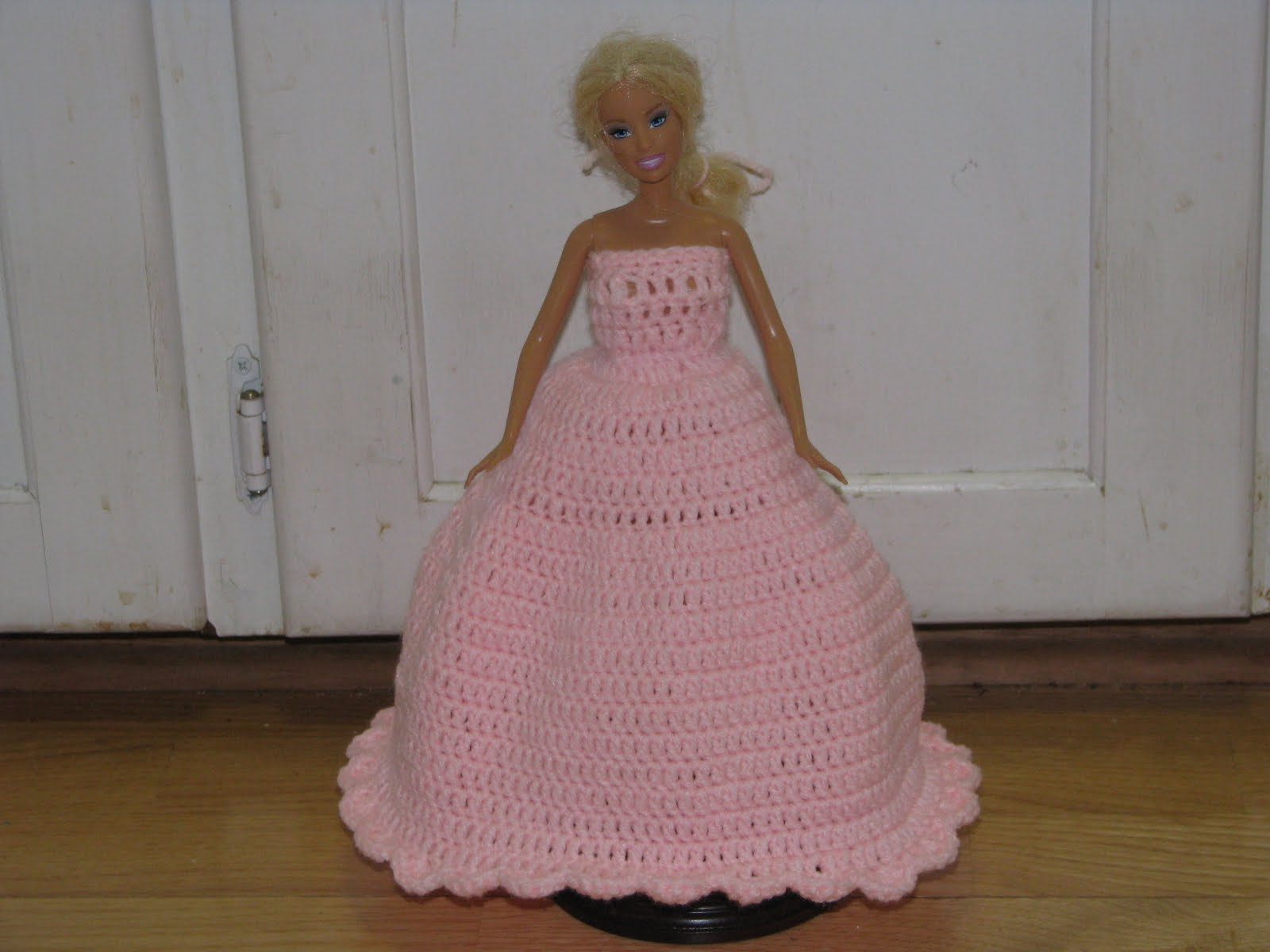 Barbie Knitting Patterns : Craft Attic Resources: Barbie Pink Valentine Ball Gown