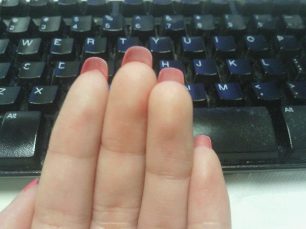 Ooosodazzling: Dec. 3rd!! NAIL GROWTH in one month