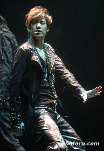 [Qjong+dance.jpg]