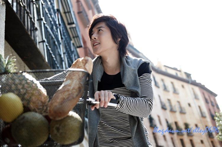 http://3.bp.blogspot.com/_vu9uqzISxb0/TFr0a24TvrI/AAAAAAAAMmA/Jw3fiaBfMnk/s1600/kim+hyun+joong+3.jpg
