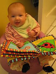 Rosie reads!