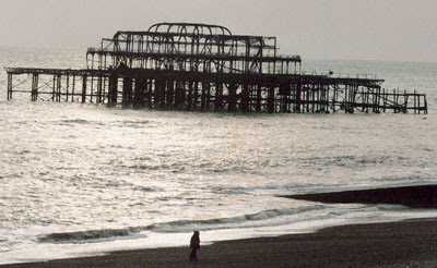 Image of the ruins of the second Brighton Pier