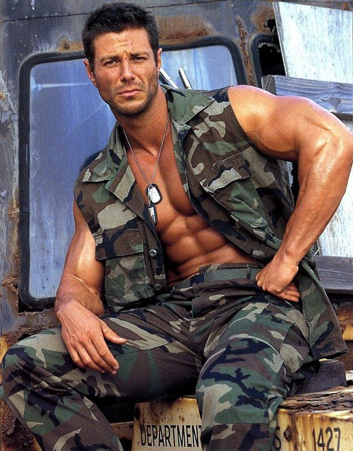 Hot Army Men http://musclebeauty.blogspot.com/