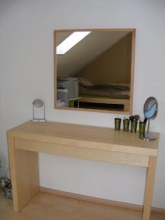 schminktisch von ikea lohnt es sich. Black Bedroom Furniture Sets. Home Design Ideas