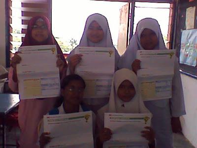 orang pelajar KRK SMK Kulai Besar menyertai pertandingan The Star