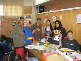 professora Claudia e alunos