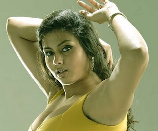 Namitha Dress Change in Caravan http://newsandresults.blogspot.com/2009/06/namitha-caravan-video-namitha-dress.html