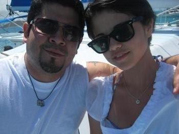 http://3.bp.blogspot.com/_w2dBvRgbc1k/SJrNh9_D3SI/AAAAAAAAABg/DjbcaDCyKHU/s400/selena-gomez-and-her-dad.jpg