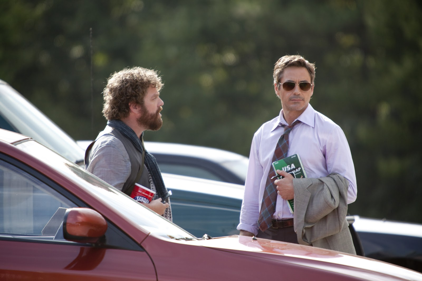 http://3.bp.blogspot.com/_w6GL1DCUVfk/TG9fuFsdBUI/AAAAAAAAFS0/L472CEOGCn0/s1600/Due_Date_movie_image_Robert_Downey_Jr_Zach_Galifianakis-2.jpg