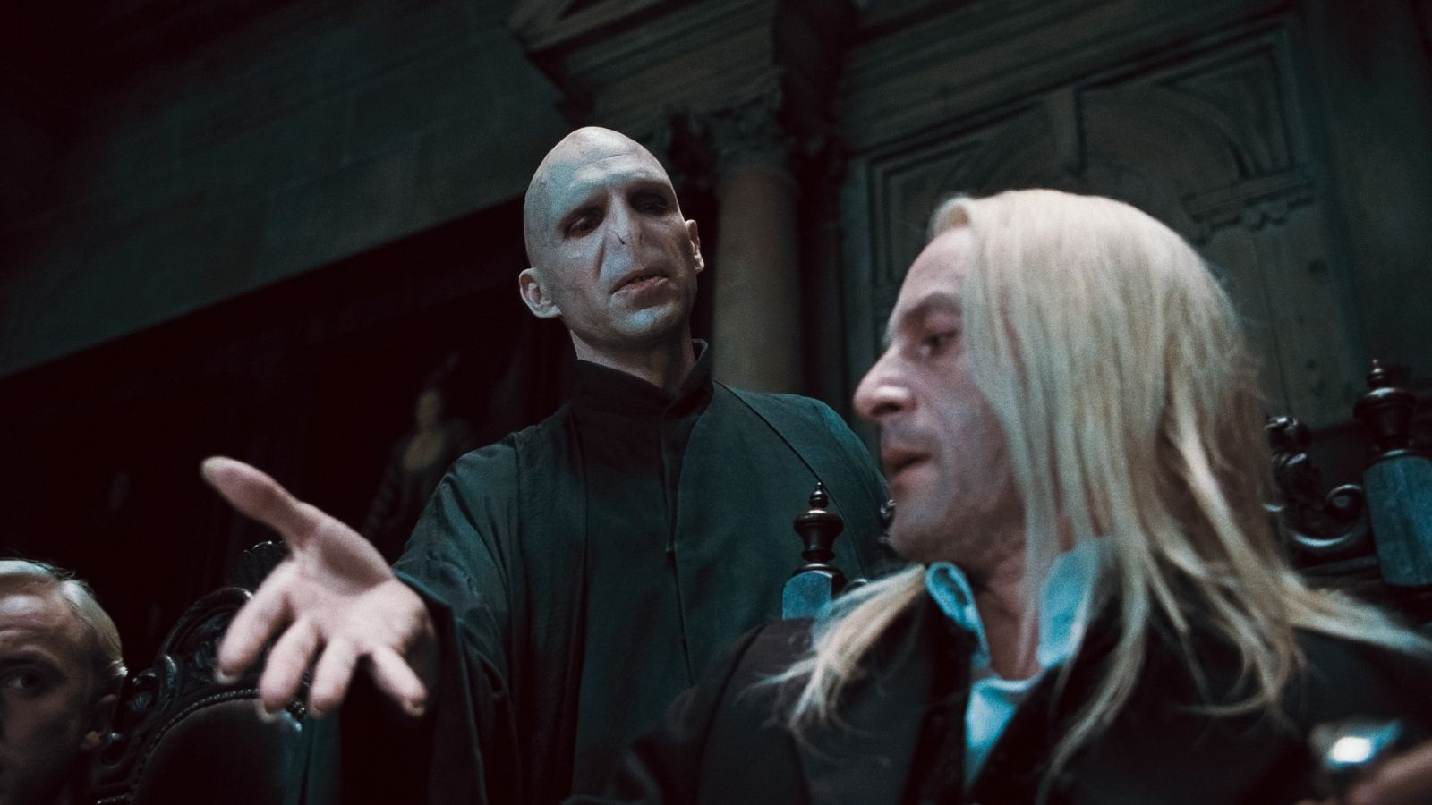 The face of evil lord voldemort on deathly hallows part 1 for Harry potter and the deathly hallows wand