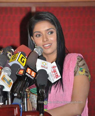 Asin at Tamil Movie Kaavalan Press Meet