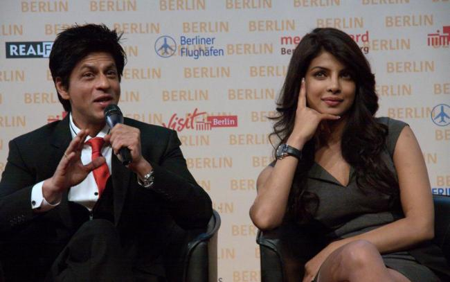 Priyanka Chopra & Shahrukh Khan at Don 2 Press Conference in Berlin - Famous Celeb Press Meeting Gallery - Famous Celebrity Picture