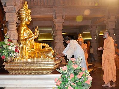 Amitabh Bachchan at Akshardham in Gujarat