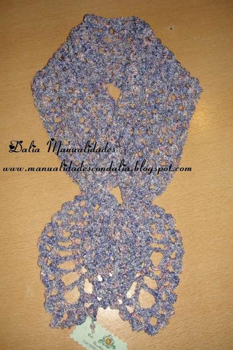 gatito en hilo de seda matizado en tonos lilas