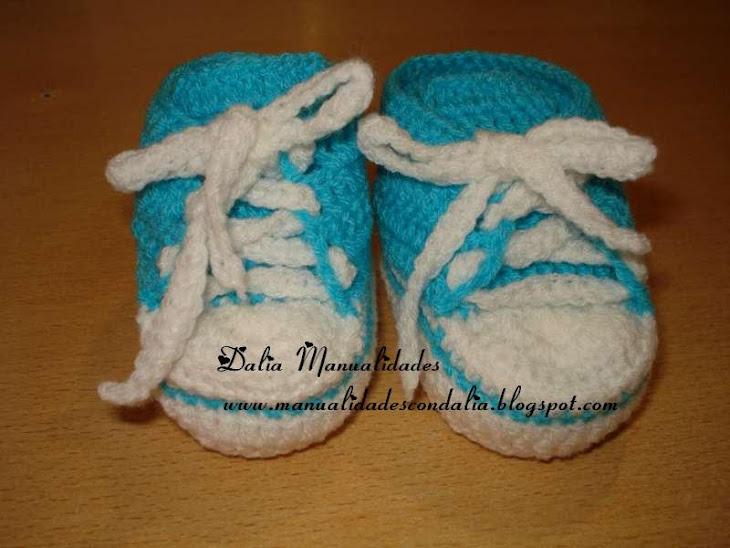 zapatillas celestes y blancas para bebe