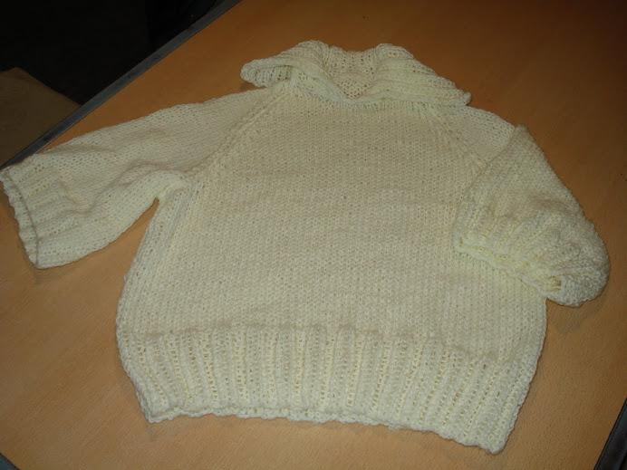 pulover crema
