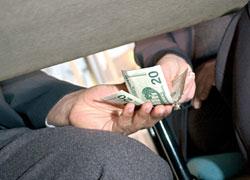 http://3.bp.blogspot.com/_w9Yc6NUxTr8/TLP4ejnTJcI/AAAAAAAAGAY/W0P9d5DyiY4/s1600/bribery.jpg