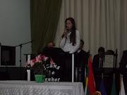 Kelly de Oliveira minha querida esposa adorando a Deus