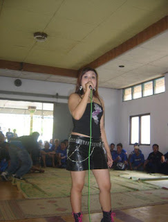 penyanyi dangdut lokal