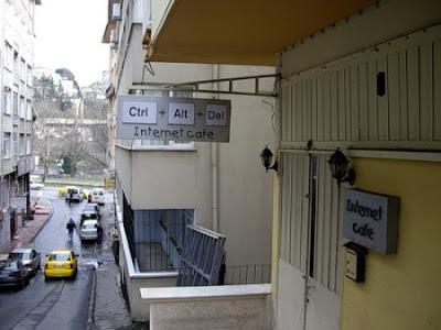 internet cafe Ctrl Alt Del