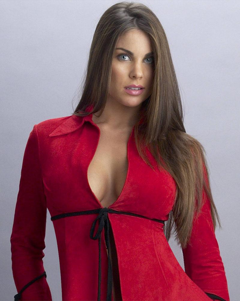 Nadia Bjorlin hot