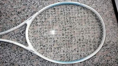 Image of a tennis racket.