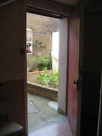 La puerta secreta.