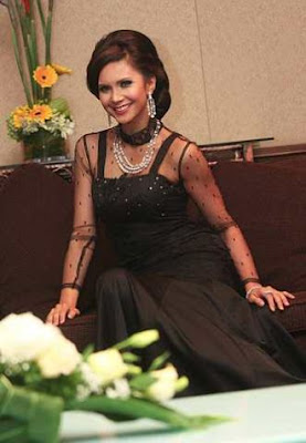 http://3.bp.blogspot.com/_wGCq5-udNl8/SVxhbdq7W3I/AAAAAAAAB4w/IRnYT7fbLUM/s400/rozita+che+wan+3+at+tv3.jpg