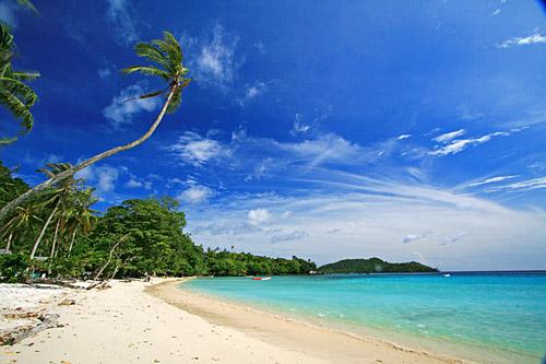 http://3.bp.blogspot.com/_wGDCK7hW4A8/TO3ftVDp7YI/AAAAAAAAAB0/o6jxYHQFhKk/s1600/Gapang-Beach-2.jpg