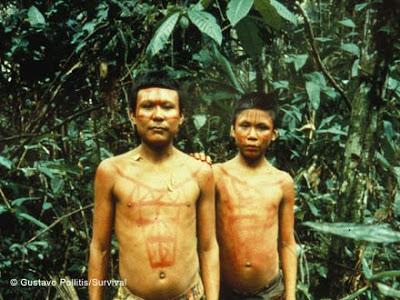 Hombres nukak-makú de Colombia. Foto propiedad de Survival Int.