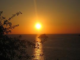 Ηλιοβασίλεμα στην Πέτρα της Λέσβου.....