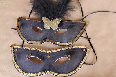 Mardi Gras Mask Cookies