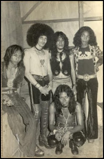 God Bless - 5 Grup Band Paling Berpengaruh di Indonesia - www.iniunik.web.id