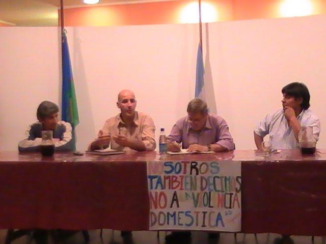 LOS HOMBRES CONTRA LA VIOLENCIA