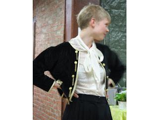 EG-garderobi näytös 2