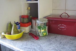 Värikästä retroa keittiössä