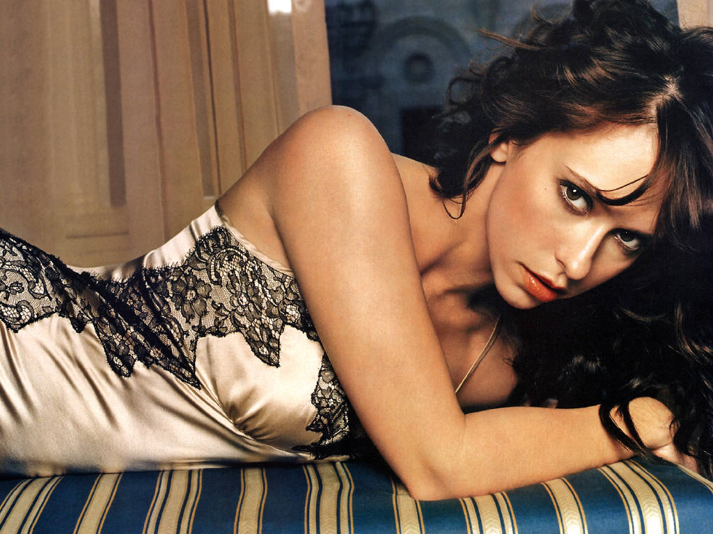 jennifer love hewitt 1024x768 Chat with Natalie Nice here!
