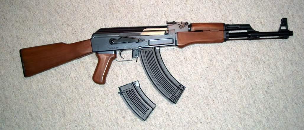 اموزش سلاح سرد آموزش کار با اسلحه کلاشنیکف | فلاش بک