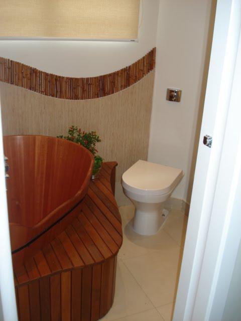 Muito Andrea Del Monaco - ADM arquitetura & interiores: Banheiro do Ofurô LR55