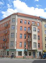 Hannah's building